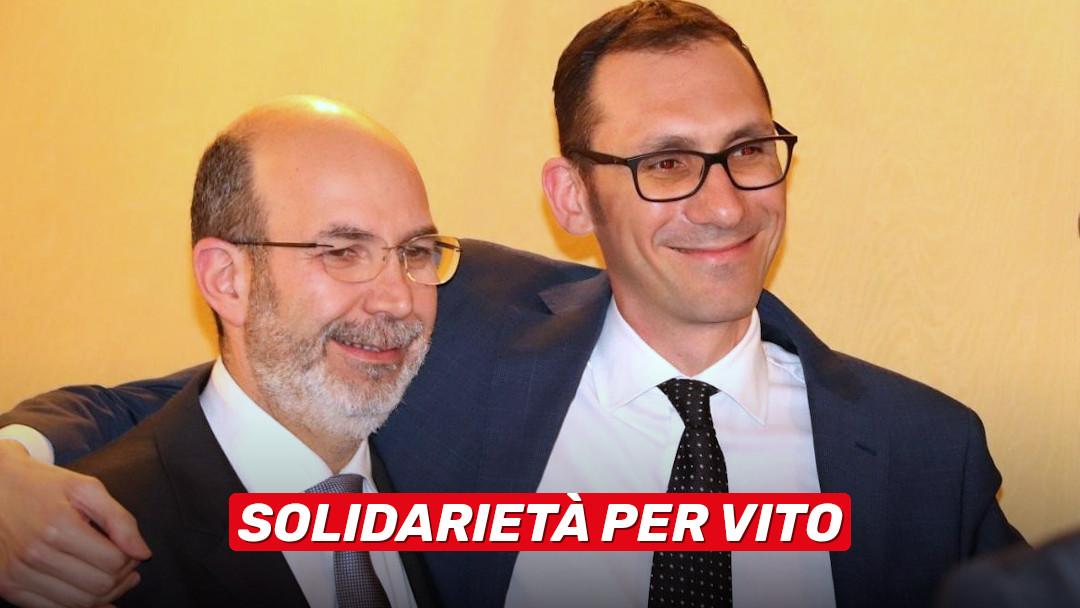 Massima solidarietà a Vito Crimi!
